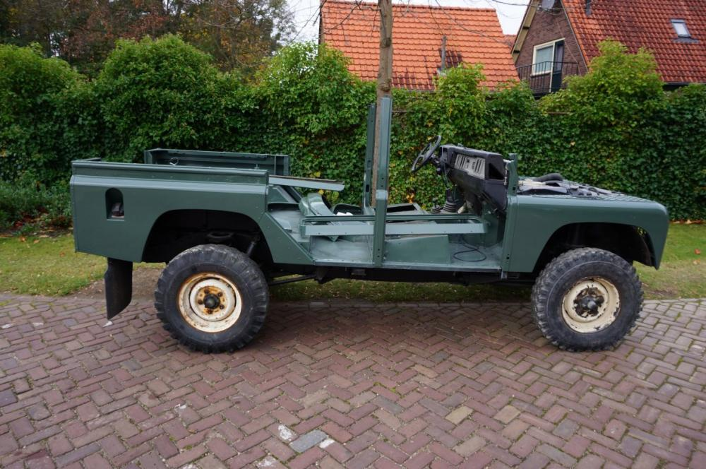 Click image for larger version  Name:1988 Defender 110 Saudi 200 tdi AC painted Keswick right side.jpg Views:631 Size:126.9 KB ID:84497