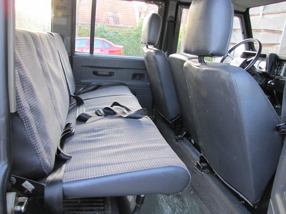 Click image for larger version  Name:1988 Defender 110 Saudi 200 tdi AC rear seat.jpg Views:620 Size:101.9 KB ID:55874