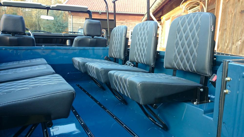 Click image for larger version  Name:1988 Land Rover Defender 110 soft top LHD Arles Blue 2.5 Td day 15 open 3 new jump seats.jpg Views:1154 Size:89.8 KB ID:107396