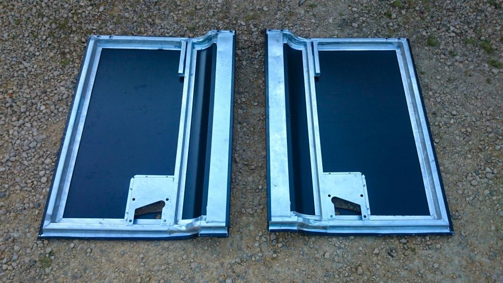 Click image for larger version  Name:1988 LR LHD 90 2.5 Td Stratos Blue stripped for paint new galvy doors.jpg Views:176 Size:108.9 KB ID:127215