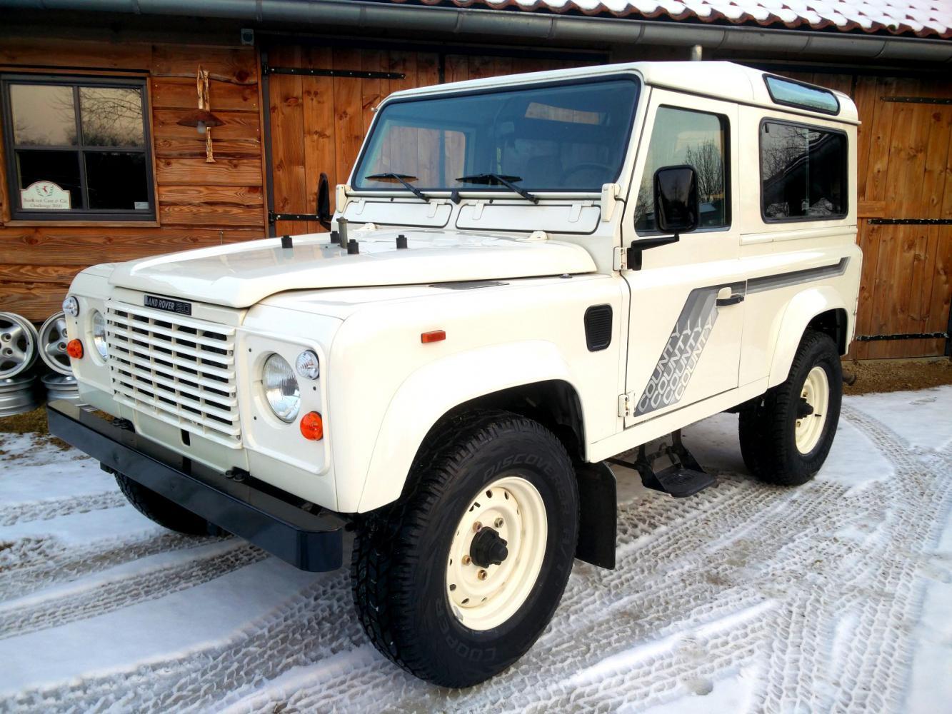 Click image for larger version  Name:1989 LR LHD Defender 90 2.5 Td White I left front.jpg Views:83 Size:189.7 KB ID:215953