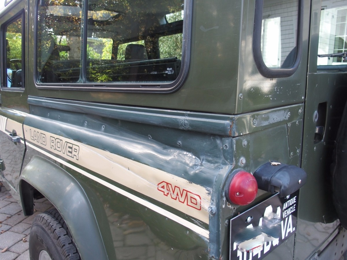 Click image for larger version  Name:1990 Land Rover D110 LHD for sale second daily auctions (44).jpg Views:178 Size:227.4 KB ID:328137