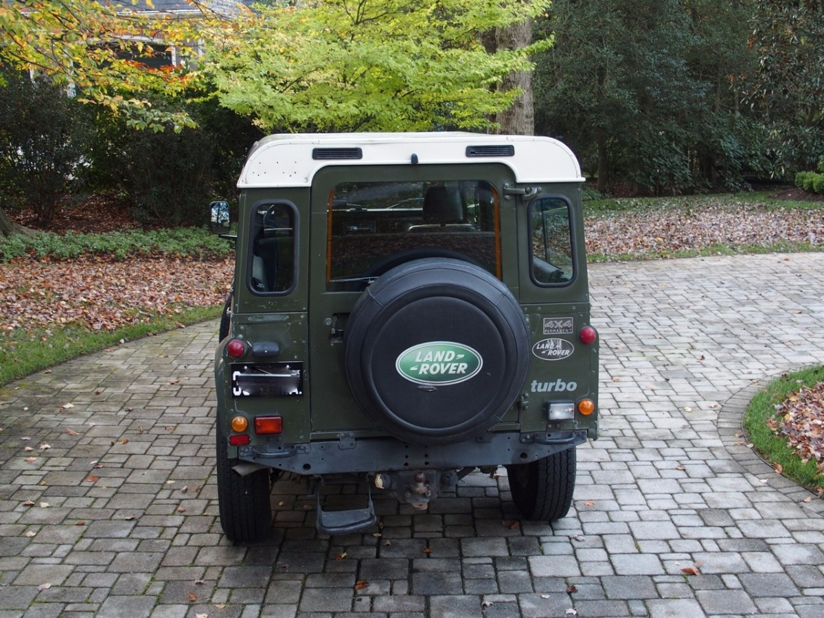 Click image for larger version  Name:1990 Land Rover D110 LHD for sale second daily auctions (8).jpg Views:204 Size:352.1 KB ID:328081