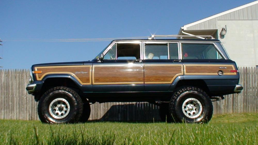 Click image for larger version  Name:1990_jeep_grand_wagoneer_4_dr_std_4wd_suv-pic-4692677159354553004.jpg Views:90 Size:77.7 KB ID:68309