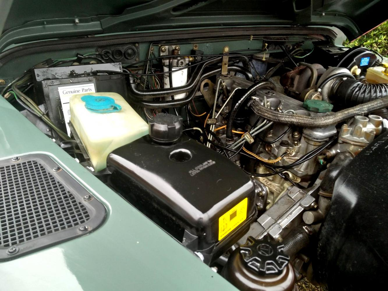 Click image for larger version  Name:1991 LR LHD Defender 90 Keswick Green Tdi 1 engine bay right.jpg Views:117 Size:183.6 KB ID:215593
