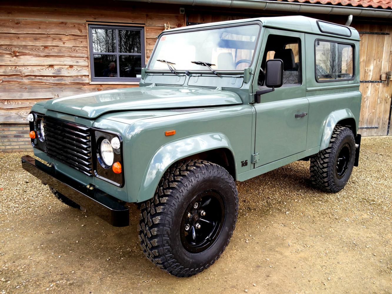 Click image for larger version  Name:1991 LR LHD Defender 90 Tdi Keswick 2 ready left front.jpg Views:17 Size:275.4 KB ID:360057