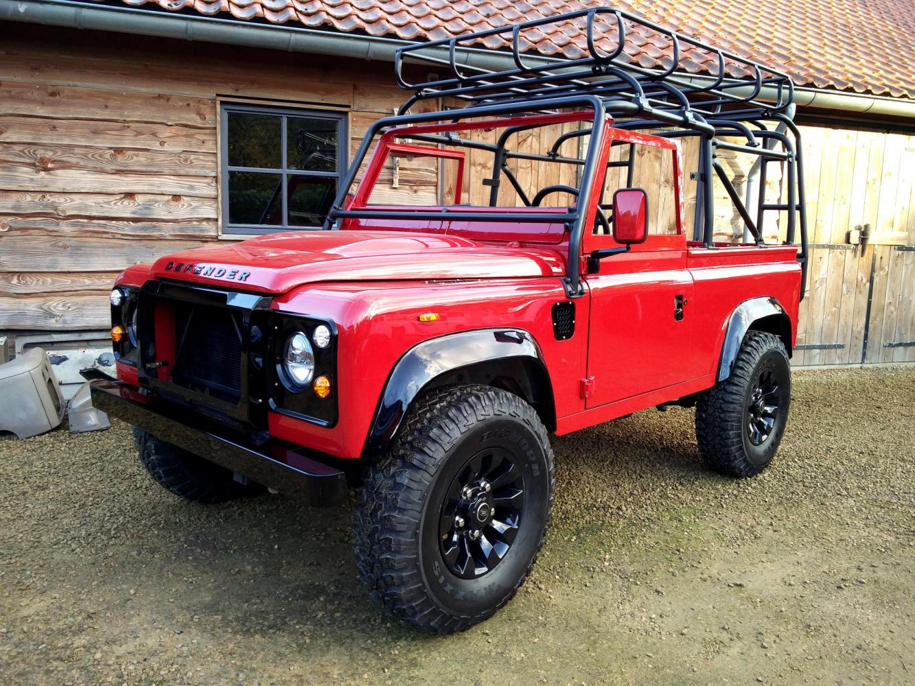 Click image for larger version  Name:1992 LR LHD Defender 90 Red 200 Tdi A day 10 left front.jpg Views:168 Size:299.0 KB ID:322377