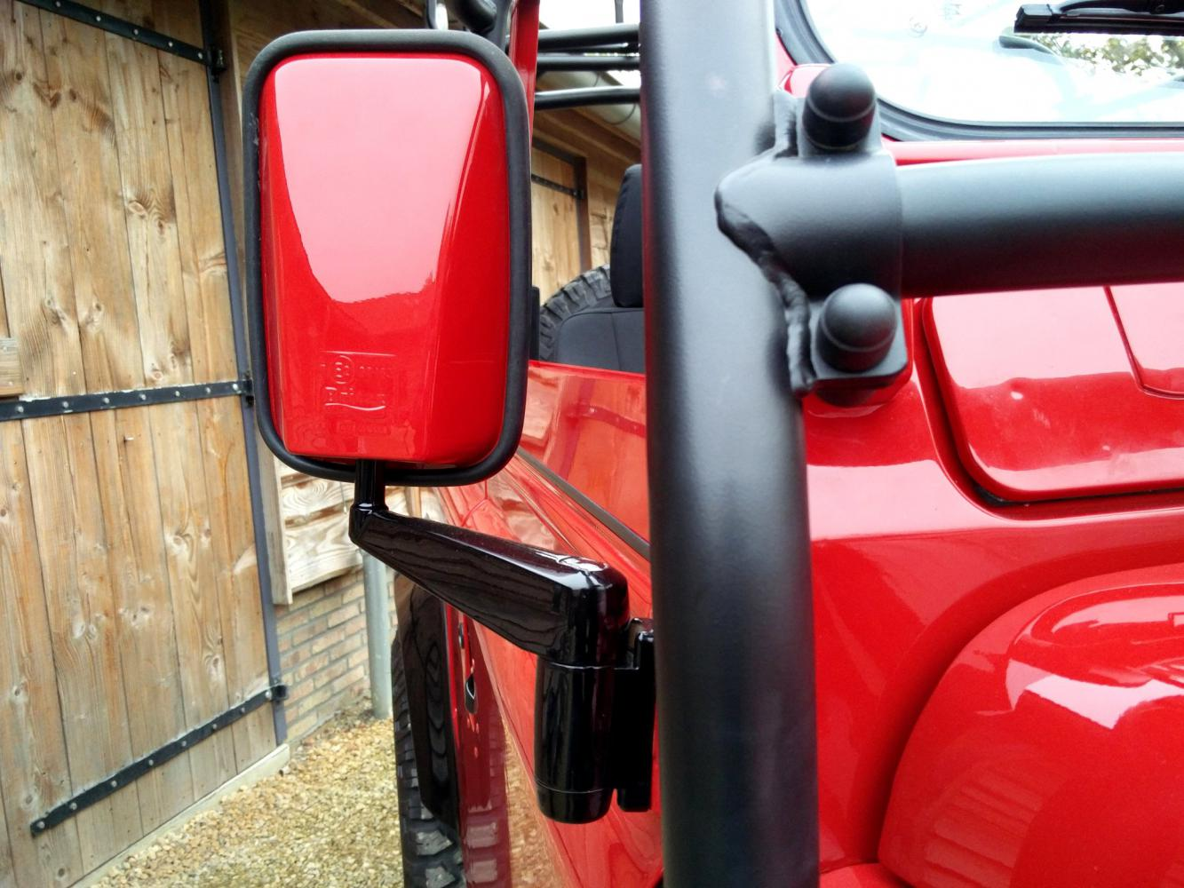 Click image for larger version  Name:1992 LR LHD Defender 90 Red 200 Tdi A day 15 close mirror.jpg Views:49 Size:154.7 KB ID:323817