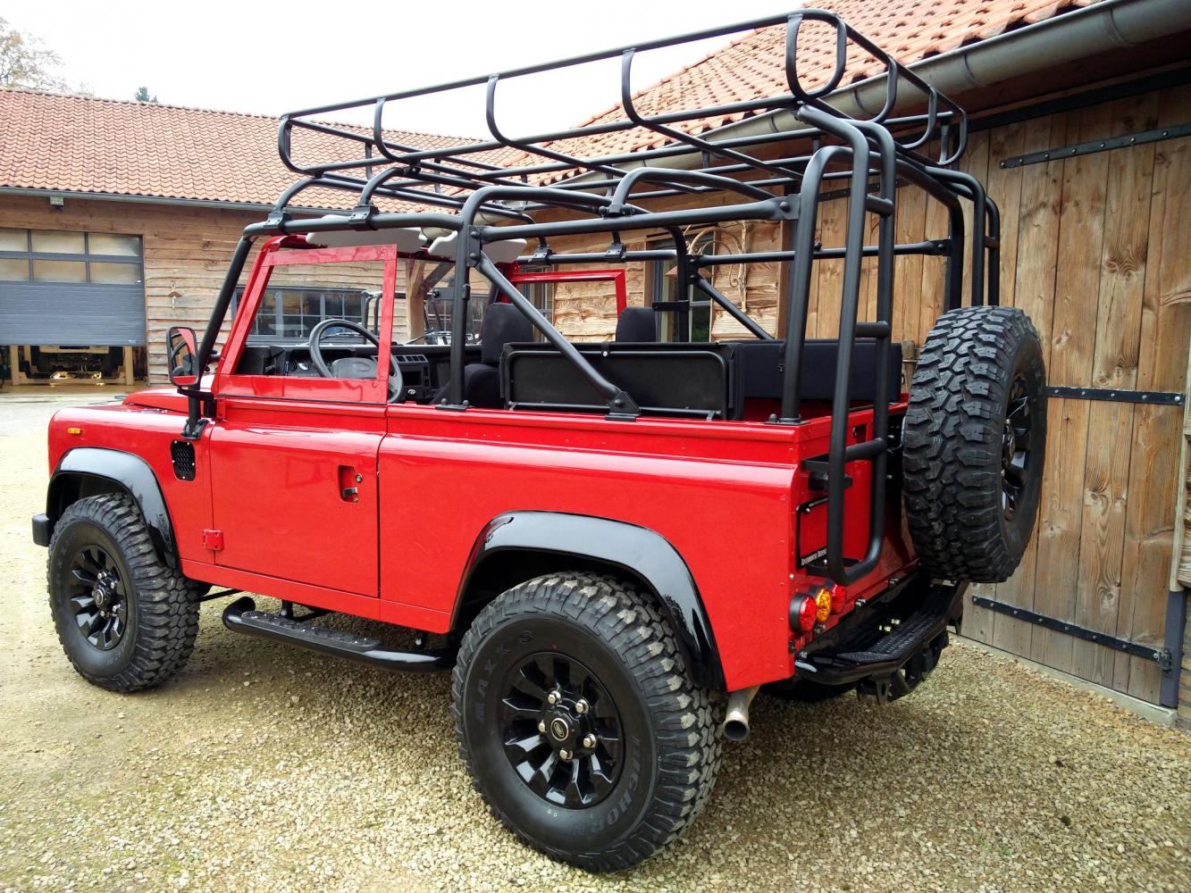 Click image for larger version  Name:1992 LR LHD Defender 90 Red 200 Tdi A day 15 left rear.jpg Views:62 Size:275.3 KB ID:323737