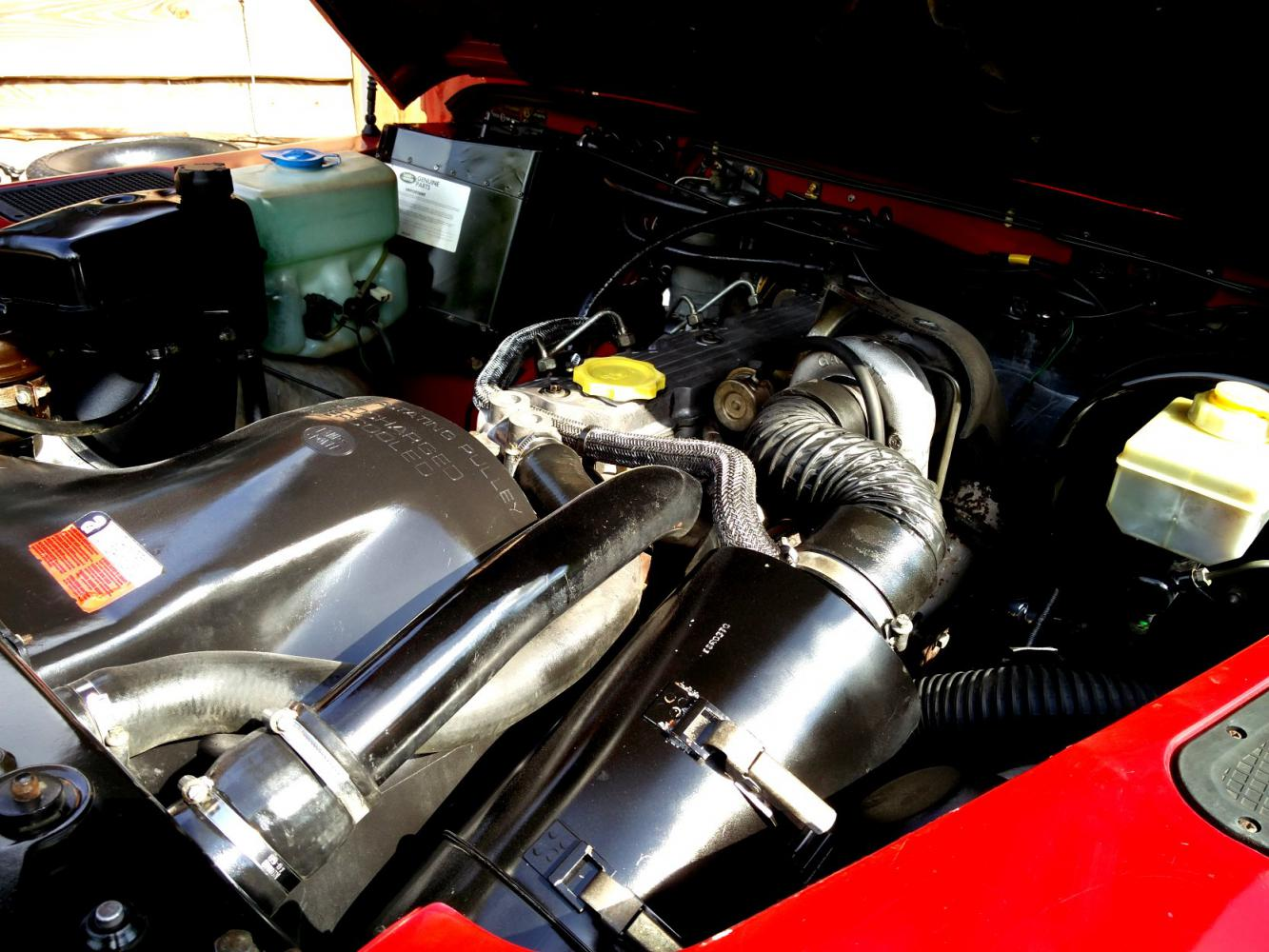 Click image for larger version  Name:1992 LR LHD Defender 90 Red 200 Tdi engine right.jpg Views:149 Size:166.1 KB ID:263746