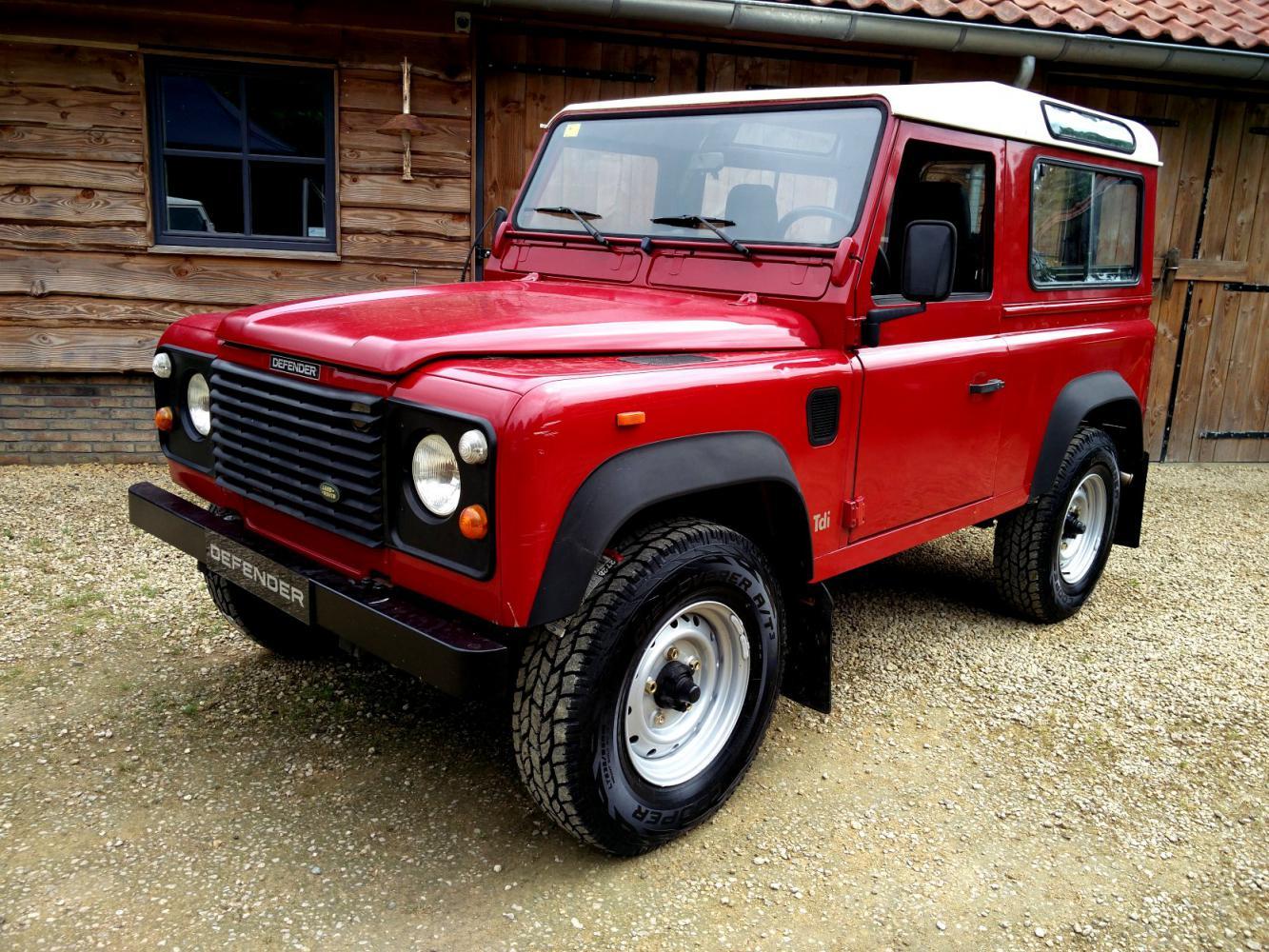 Click image for larger version  Name:1992 LR LHD Defender 90 Red 200 Tdi left front.jpg Views:235 Size:273.2 KB ID:263634