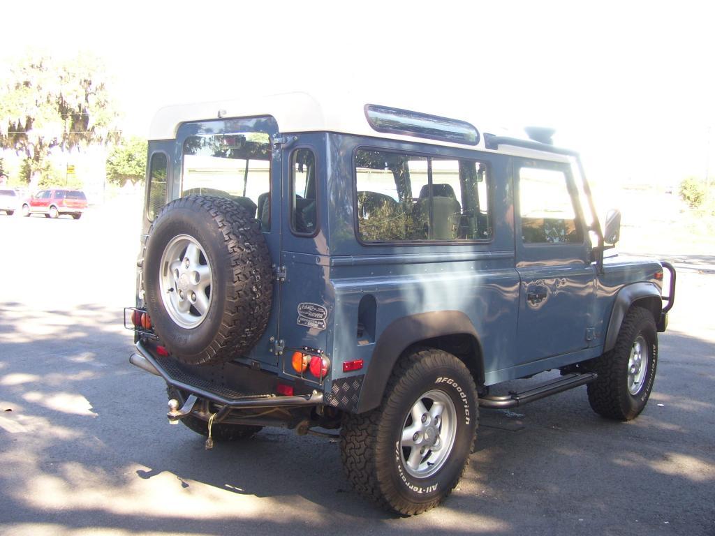 Click image for larger version  Name:1995 Land Rover Defender 004.jpg Views:73 Size:93.2 KB ID:42210