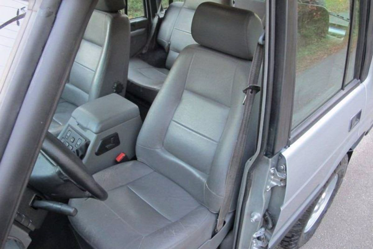 Click image for larger version  Name:1996 land rover discovery manual for sale second daily (21).jpg Views:118 Size:98.8 KB ID:340297