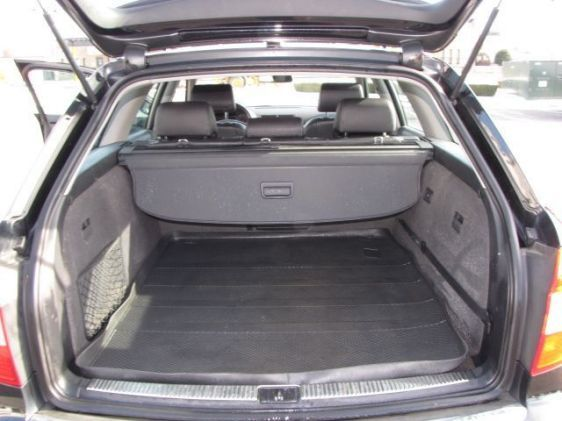 Click image for larger version  Name:2005 A4 wagon trunk.jpg Views:106 Size:39.3 KB ID:34843
