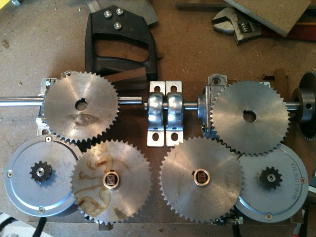 Click image for larger version  Name:2012_05_20_gearbox.jpg Views:107 Size:49.0 KB ID:79591