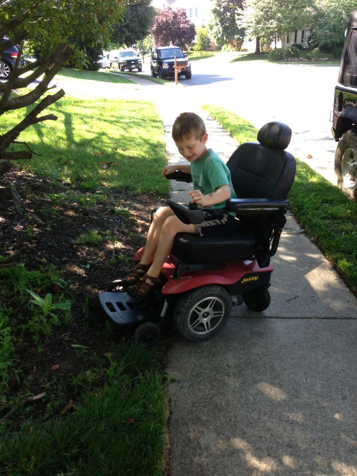 Click image for larger version  Name:2013_06_15_mobility_chair.jpg Views:94 Size:116.9 KB ID:79614