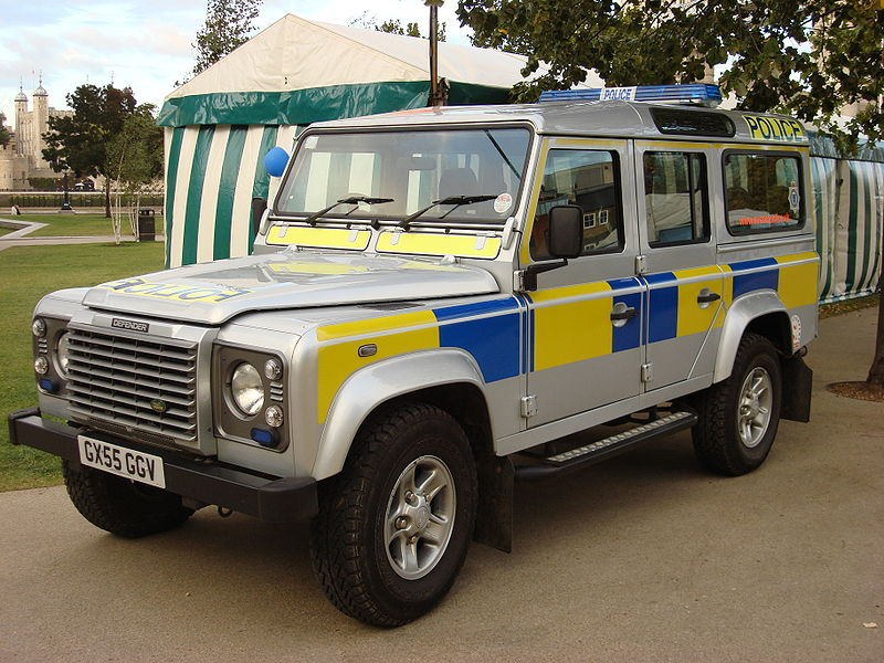 Click image for larger version  Name:800px-Land_Rover_Defender_Sussex_Police.jpg Views:211 Size:123.6 KB ID:33894