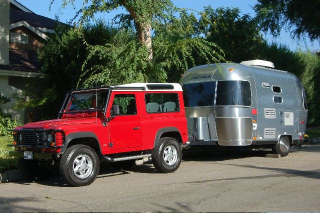 Click image for larger version  Name:airstream and d90.jpg Views:87 Size:78.9 KB ID:20178