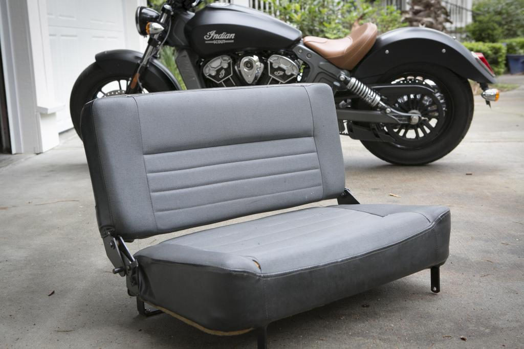 Click image for larger version  Name:BenchSeat433.jpg Views:102 Size:84.0 KB ID:145998