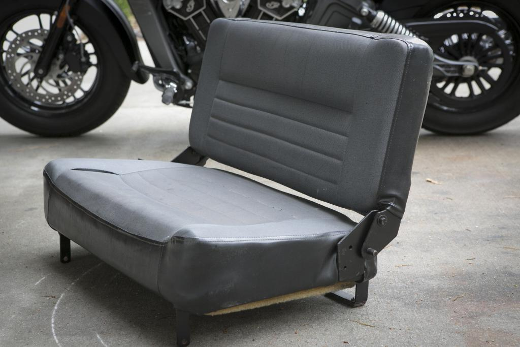 Click image for larger version  Name:BenchSeat437.jpg Views:101 Size:78.6 KB ID:145999