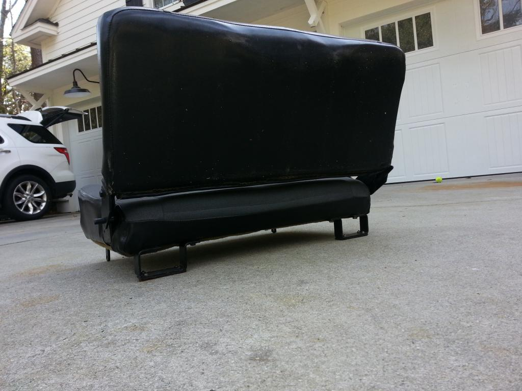 Click image for larger version  Name:BenchSeat445.jpg Views:94 Size:95.9 KB ID:146000