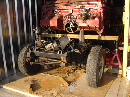 Click image for larger version  Name:body lifted off chassis.jpg Views:278 Size:203.6 KB ID:30853