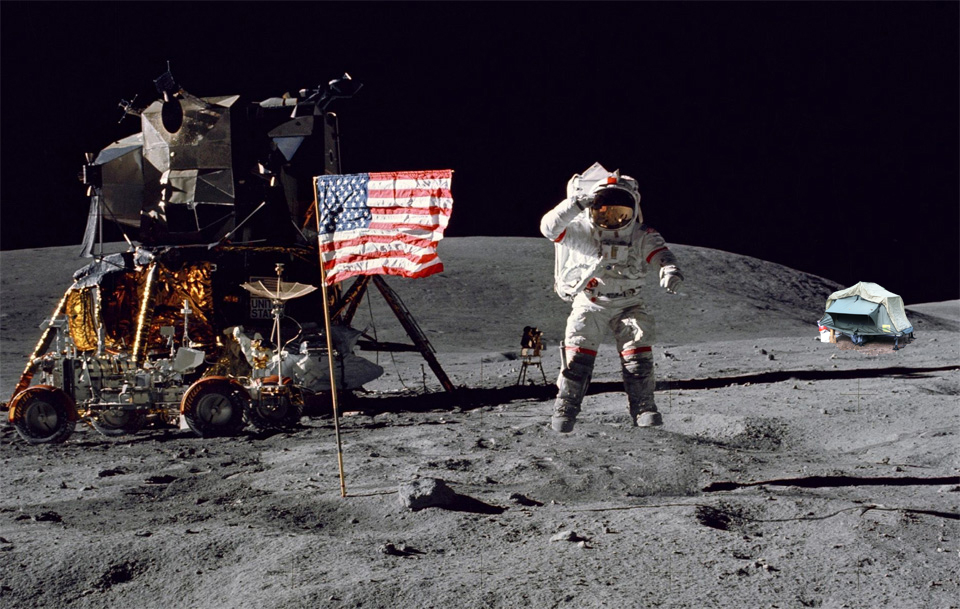 Click image for larger version  Name:buzz-aldrin-moon-landing copy.jpg Views:90 Size:405.8 KB ID:99797