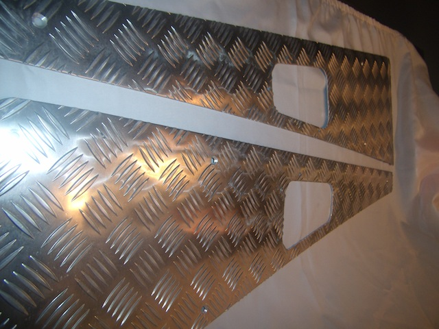 Click image for larger version  Name:Chequer Wing Top 2.JPG Views:68 Size:105.8 KB ID:30345