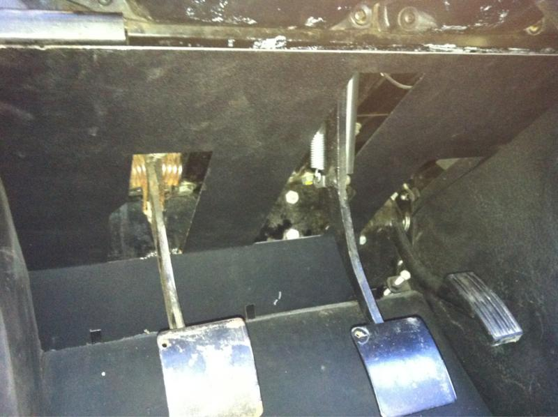 Click image for larger version  Name:clutch pedal arm - skinny 1995.jpg Views:562 Size:59.6 KB ID:62829