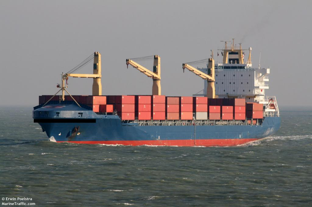 Click image for larger version  Name:containership.jpg Views:146 Size:67.2 KB ID:38129