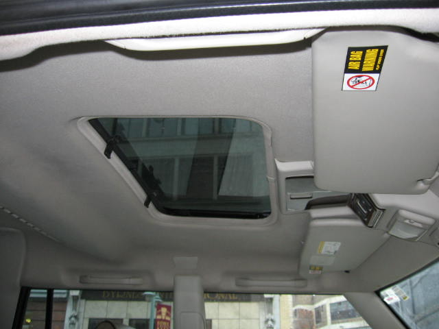 Click image for larger version  Name:Copy of Land Rover Interior Pictures 014.jpg Views:89 Size:37.6 KB ID:4046