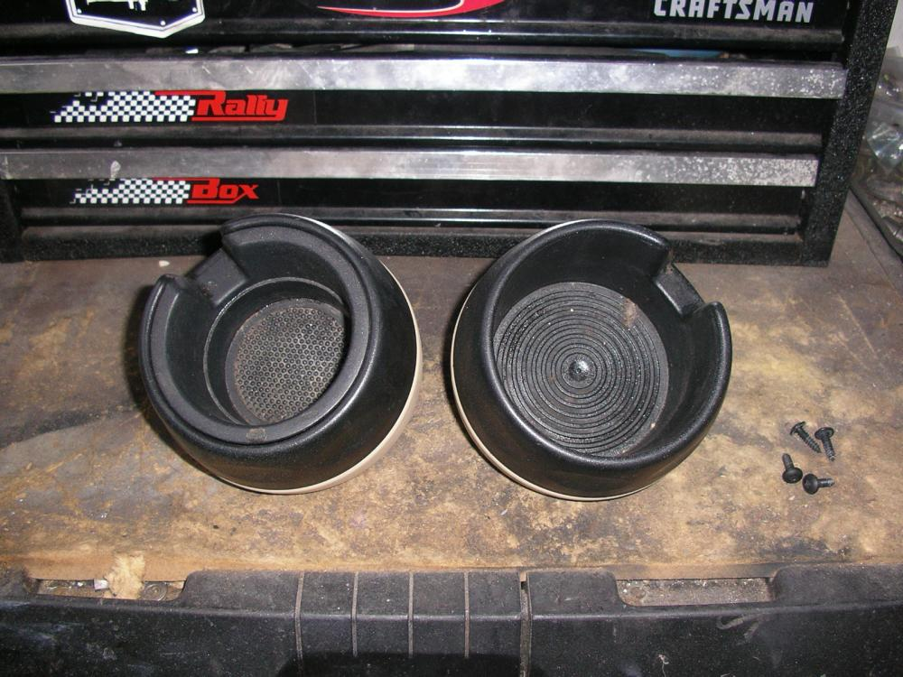 Click image for larger version  Name:Cup Holders 1.jpg Views:73 Size:127.1 KB ID:87310