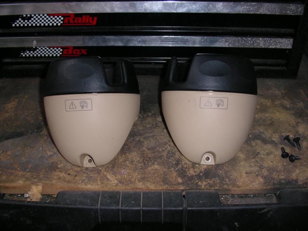 Click image for larger version  Name:Cup holders 2.jpg Views:80 Size:86.2 KB ID:87309