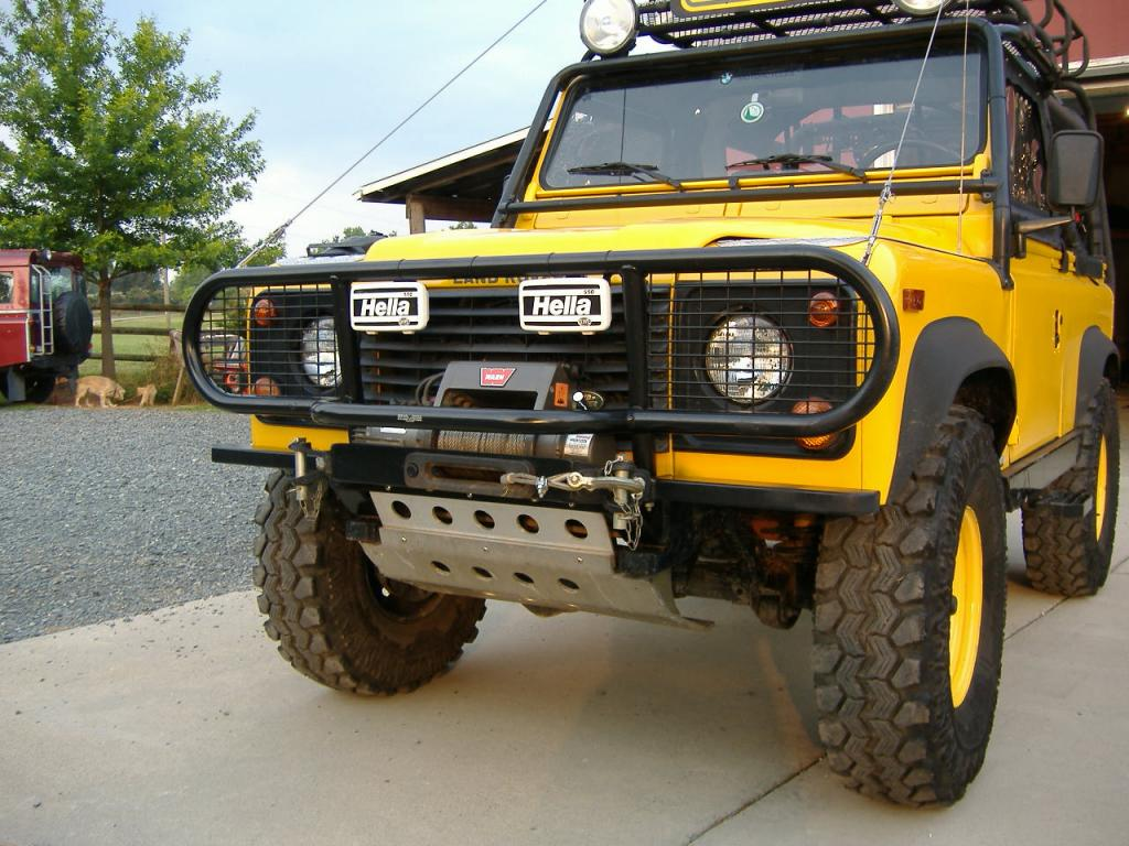 Click image for larger version  Name:D-90 custom front bumper.jpg Views:873 Size:129.4 KB ID:33810