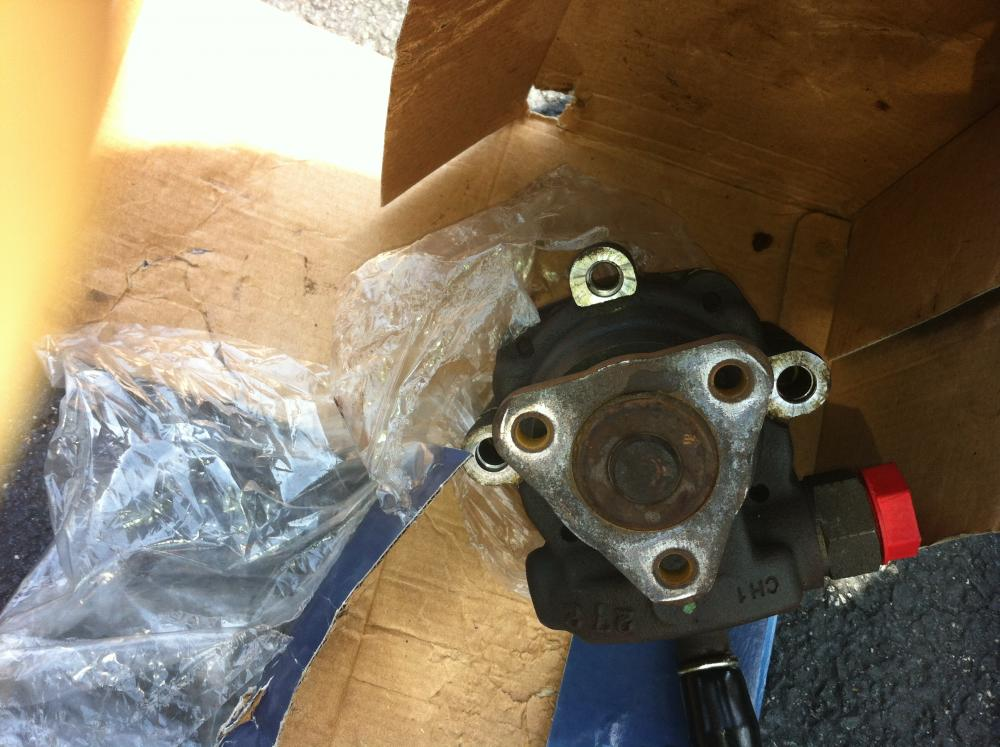 Click image for larger version  Name:D110 Steering pump.jpg Views:67 Size:99.4 KB ID:53885