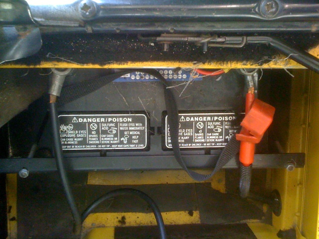 Click image for larger version  Name:D90 Battery Box.jpg Views:171 Size:117.2 KB ID:83404