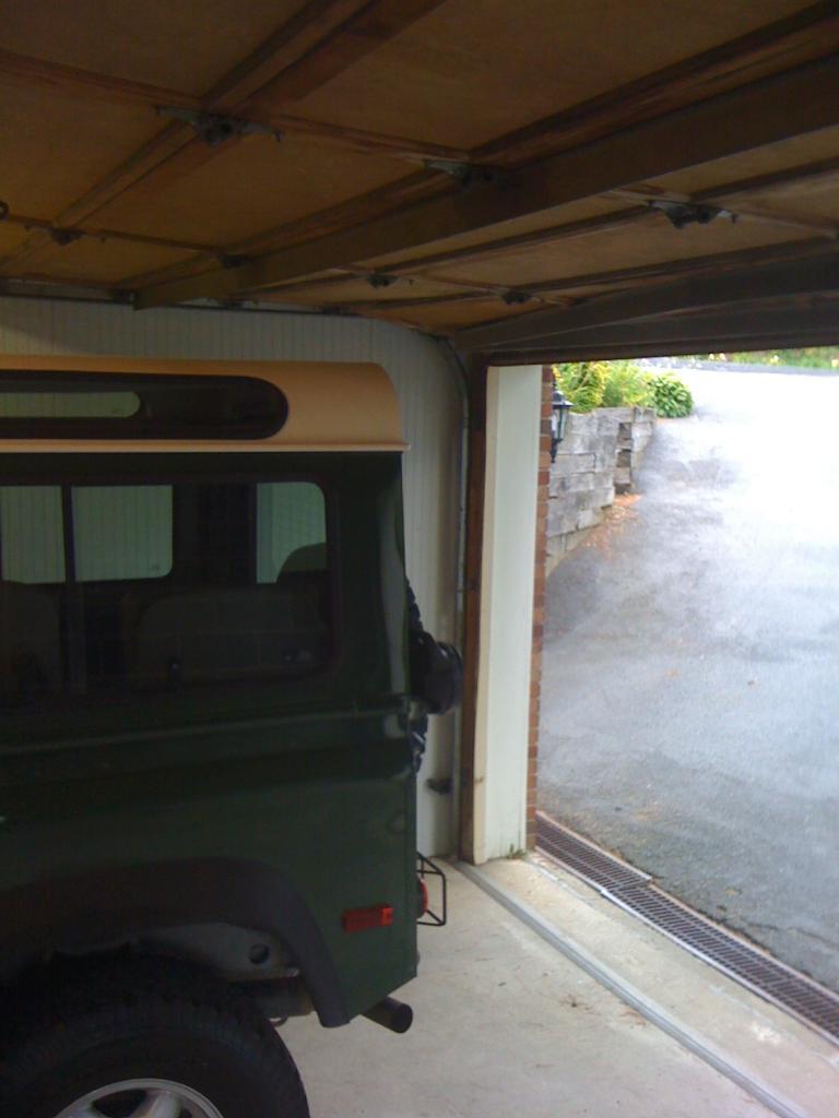 Click image for larger version  Name:D90 Garage.jpg Views:498 Size:60.0 KB ID:40858