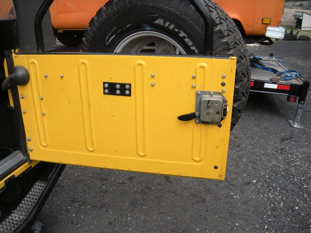 Click image for larger version  Name:D90 Rear Door .JPG Views:168 Size:92.5 KB ID:83400