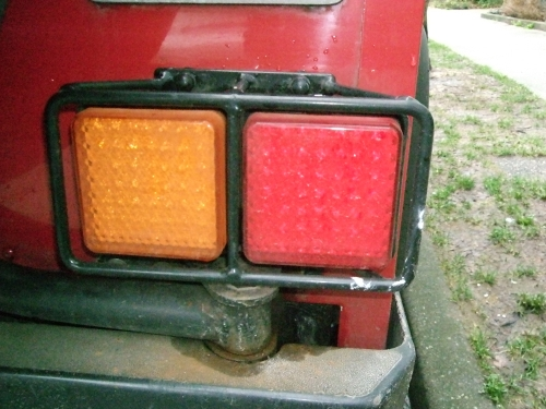 Click image for larger version  Name:d90taillamps3small.jpg Views:202 Size:159.1 KB ID:18376
