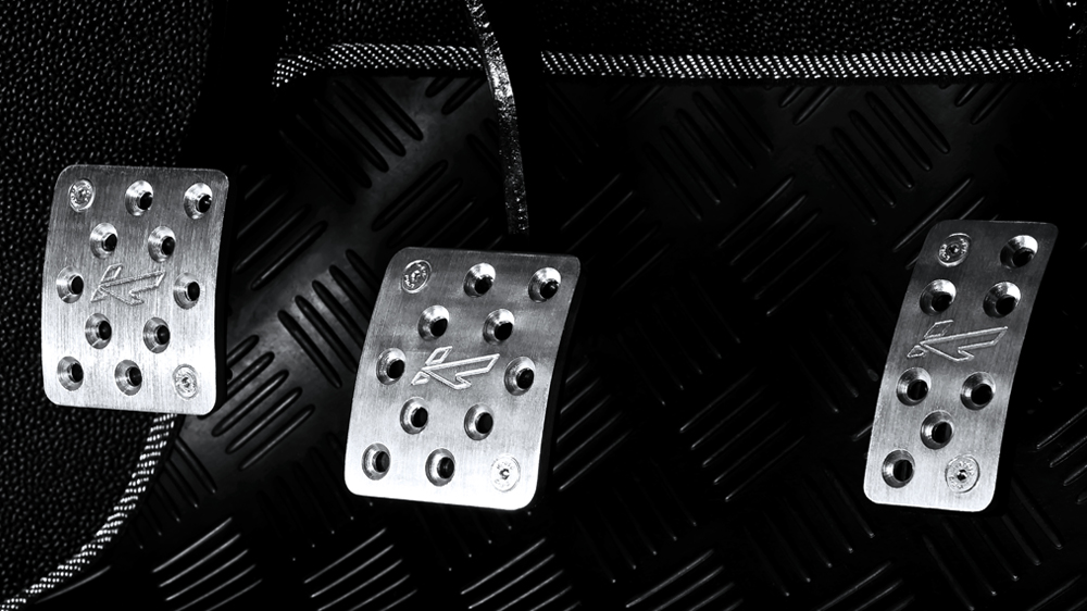 Click image for larger version  Name:def pedal set.jpg Views:136 Size:318.7 KB ID:90008