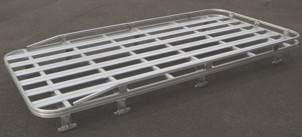 Click image for larger version  Name:Defender 110 Roofrack with toprail.jpg Views:1198 Size:96.3 KB ID:21419