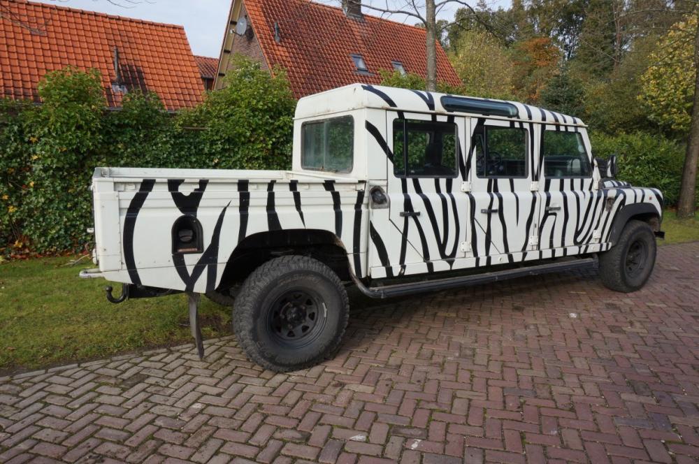 Click image for larger version  Name:Defender 157 6 door zebra.jpg Views:714 Size:135.4 KB ID:85836