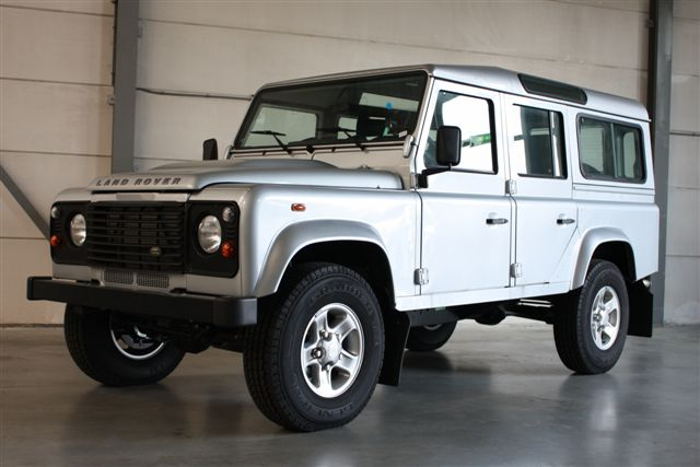 Click image for larger version  Name:DEFENDER_110S_SILVER_34F.jpg Views:132 Size:41.3 KB ID:22685