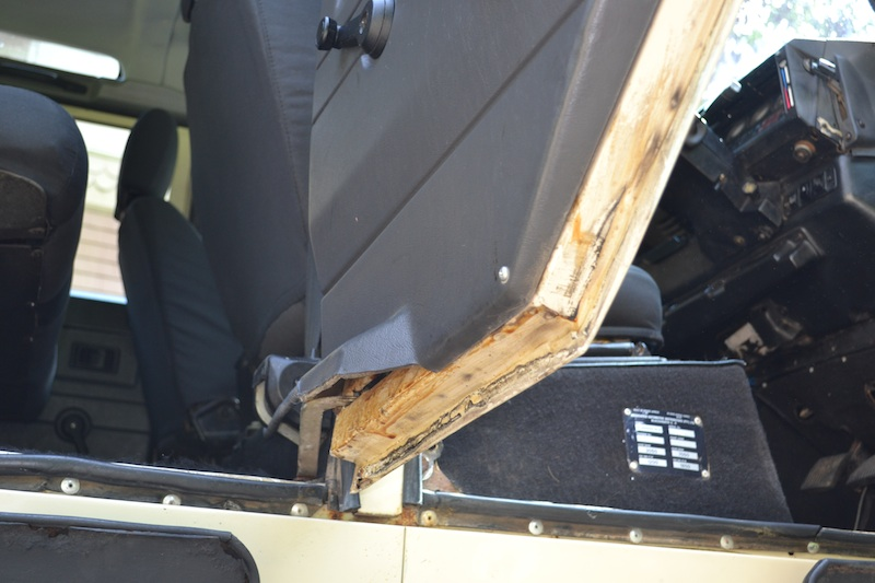 Click image for larger version  Name:Driver Rear Door Under.jpg Views:182 Size:115.4 KB ID:127288