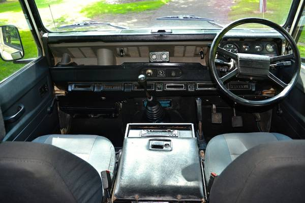 Click image for larger version  Name:Elizabeth Front Seats & Dash.jpg Views:252 Size:38.1 KB ID:127278