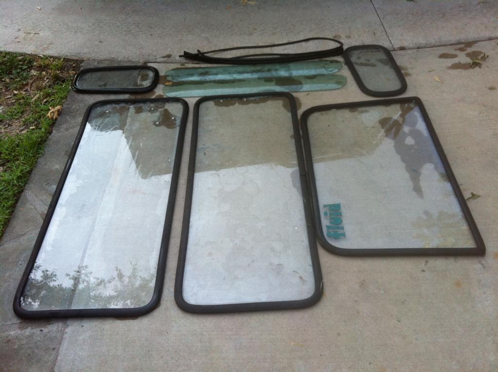 Click image for larger version  Name:Fiberglass top glass 1.jpg Views:77 Size:98.0 KB ID:39945