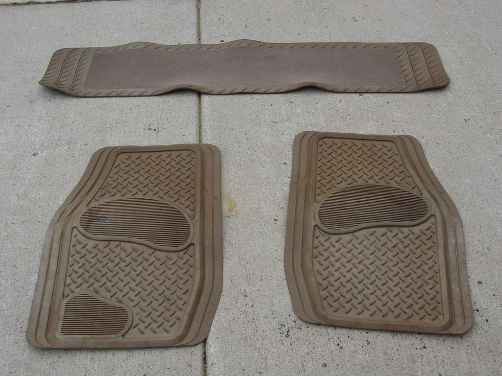 Click image for larger version  Name:floor mats.jpg Views:58 Size:119.6 KB ID:27478