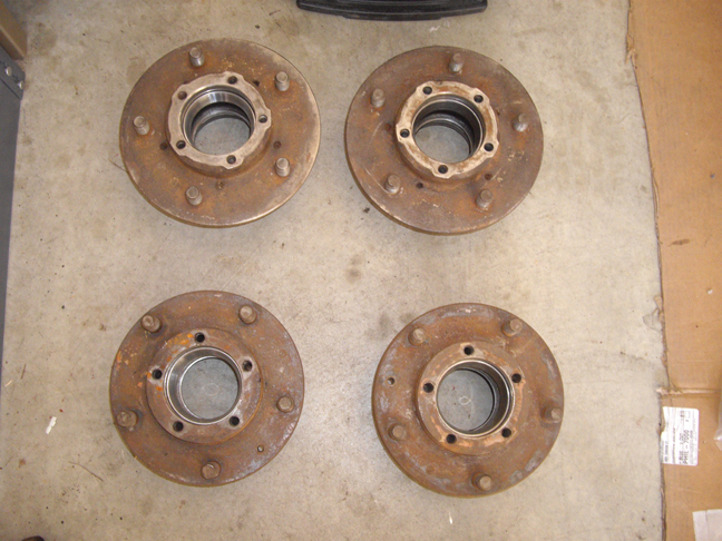 Click image for larger version  Name:Front and Rear Hubs.jpg Views:102 Size:336.0 KB ID:33956