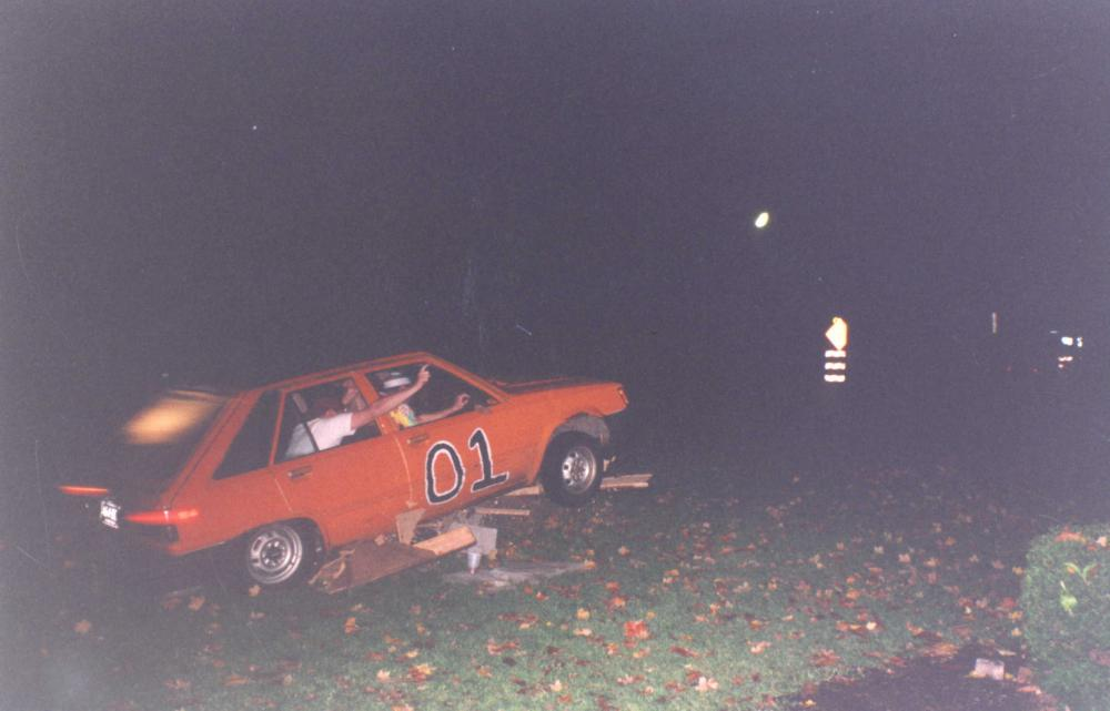 Click image for larger version  Name:General Lee 09.jpg Views:145 Size:56.5 KB ID:119075