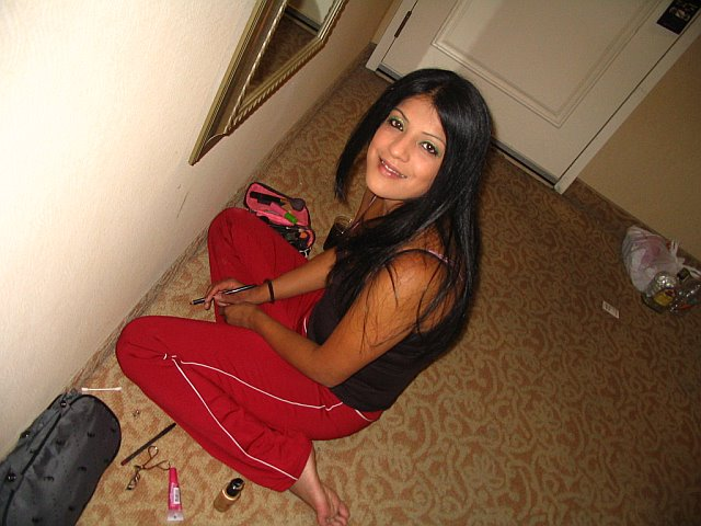 Click image for larger version  Name:gettin ready for the night out.jpg Views:72 Size:62.0 KB ID:12159